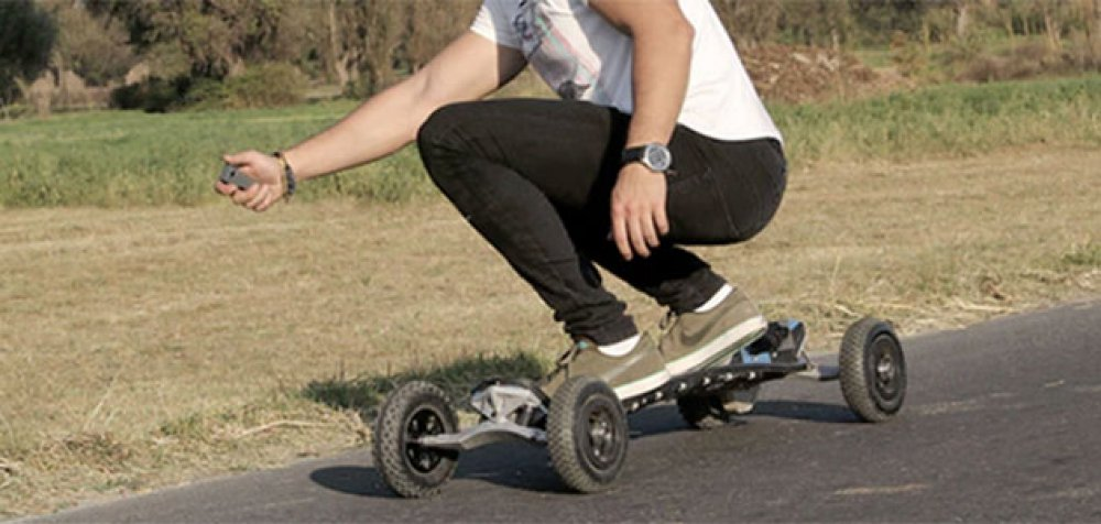 Tezca Boards: una patineta eléctrica todoterreno totalmente mexicana